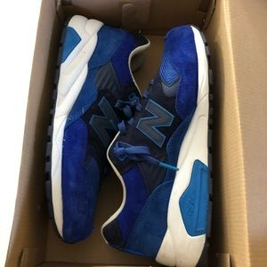 New balance blue sneakers sz 8 1/2 men 10 woman